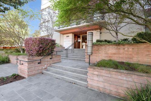 Photo of 360 Everett Avenue #4C, PALO ALTO, CA 94301 (MLS # ML81840082)