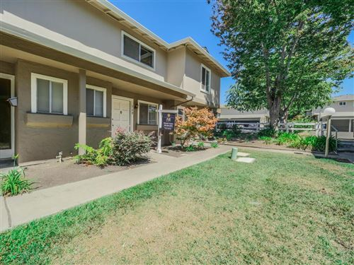 Photo of 328 Lynn AVE, MILPITAS, CA 95035 (MLS # ML81779086)