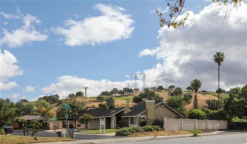 Photo of 6186 Black Oak LN, SAN JOSE, CA 95120 (MLS # ML81793087)