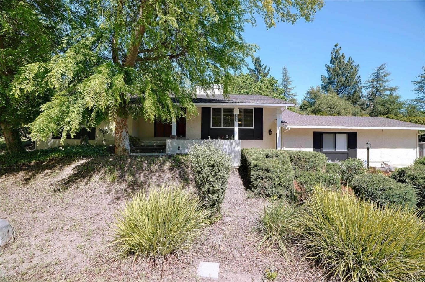 Photo for 1525 Welburn AVE, GILROY, CA 95020 (MLS # ML81836088)