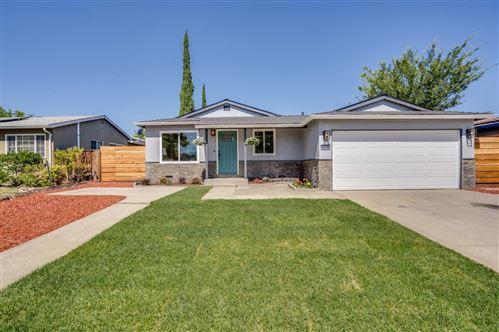 Photo of 5270 Gatewood Lane, SAN JOSE, CA 95118 (MLS # ML81855089)
