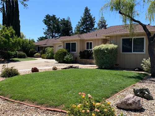 Photo of 2046 Casa Mia DR, SAN JOSE, CA 95124 (MLS # ML81799090)
