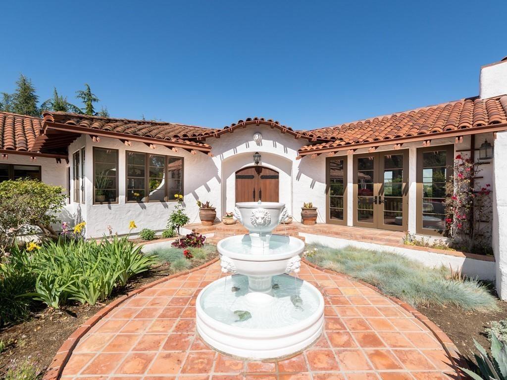 Photo for 23715 Camino Hermoso Drive, LOS ALTOS HILLS, CA 94024 (MLS # ML81844093)