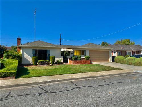 Photo of 992 Fairfield AVE, SANTA CLARA, CA 95050 (MLS # ML81816094)