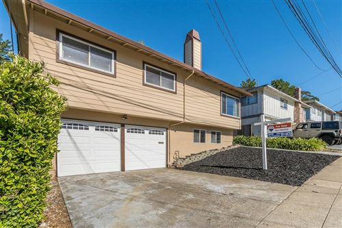 Photo of 1135 Mason DR, PACIFICA, CA 94044 (MLS # ML81802099)