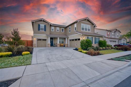 Photo of 1343 Black Hawk Drive, MORGAN HILL, CA 95037 (MLS # ML81853100)