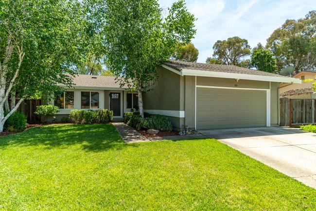 Photo for 880 Hoxett Street, GILROY, CA 95020 (MLS # ML81842108)