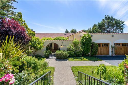 Photo of 1430 Buckingham WAY, HILLSBOROUGH, CA 94010 (MLS # ML81795110)