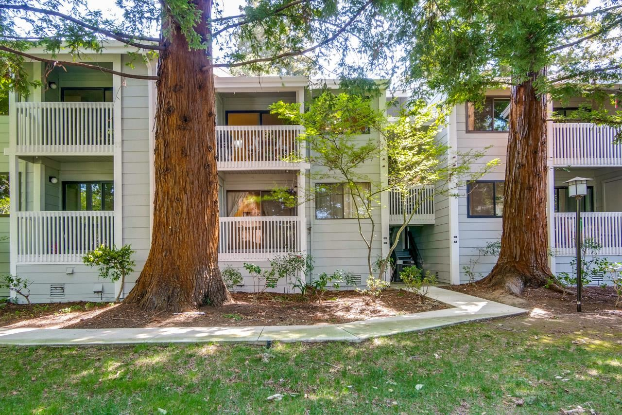 Photo for 938 Clark AVE 60 #60, MOUNTAIN VIEW, CA 94040 (MLS # ML81837113)