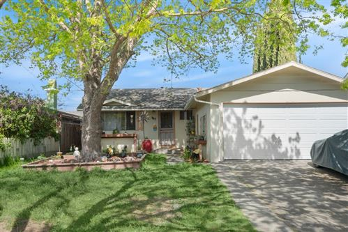 Photo of 667 Jennings DR, SAN JOSE, CA 95111 (MLS # ML81838115)