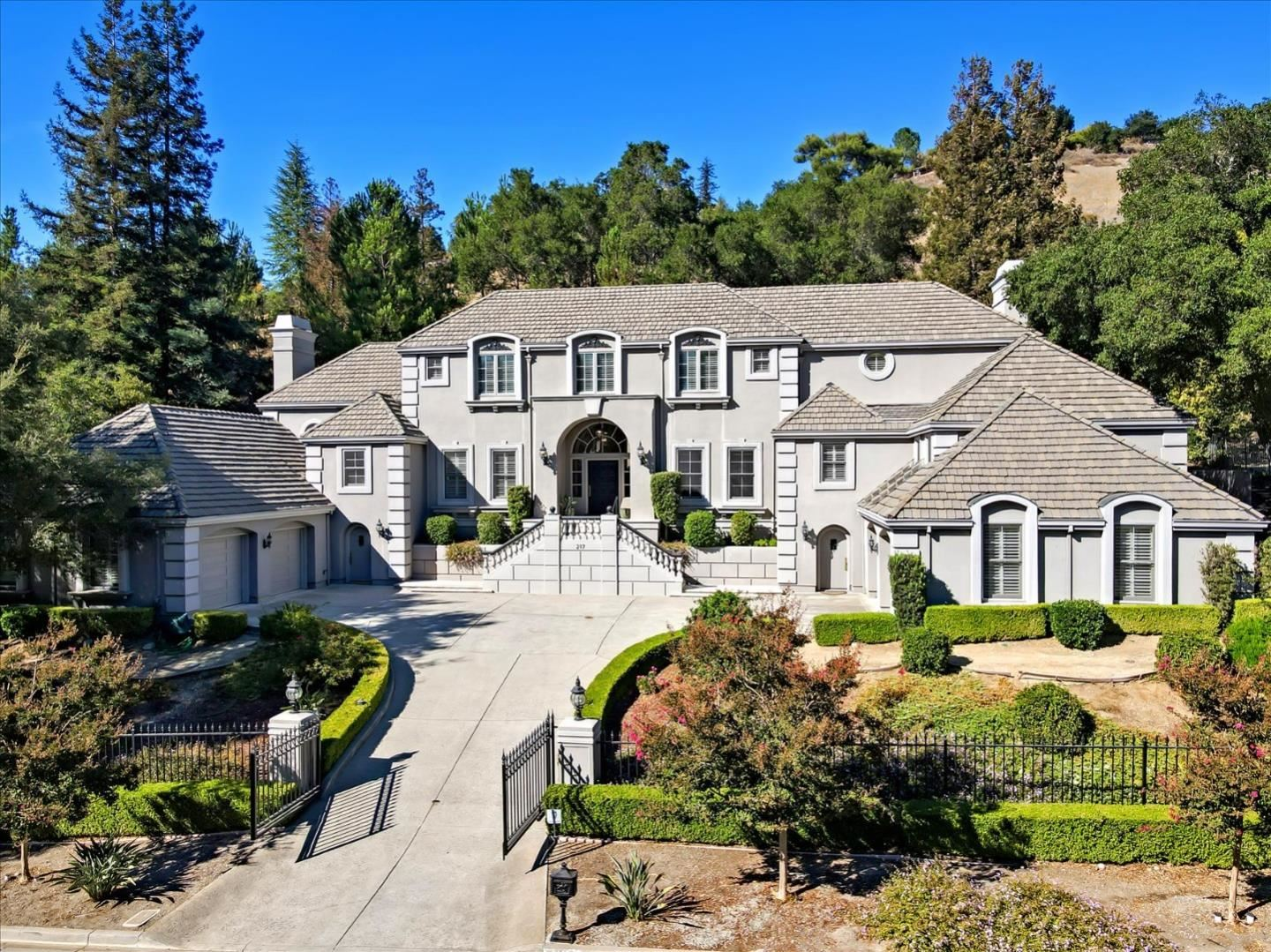 Photo for 217 Forrester Road, LOS GATOS, CA 95032 (MLS # ML81865116)