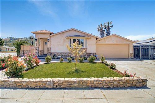 Photo of 686 Los Huecos Drive, SAN JOSE, CA 95123 (MLS # ML81842119)