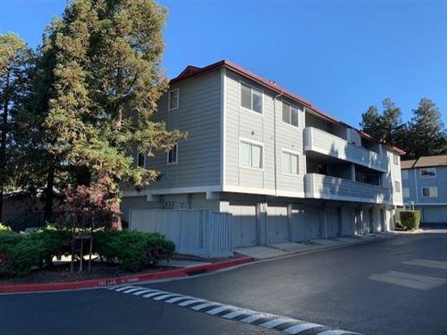 Photo of 658 River Oak WAY 79 #79, HAYWARD, CA 94544 (MLS # ML81810121)