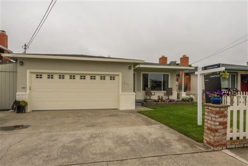 Photo of 331 Grove ST, HALF MOON BAY, CA 94019 (MLS # ML81799133)