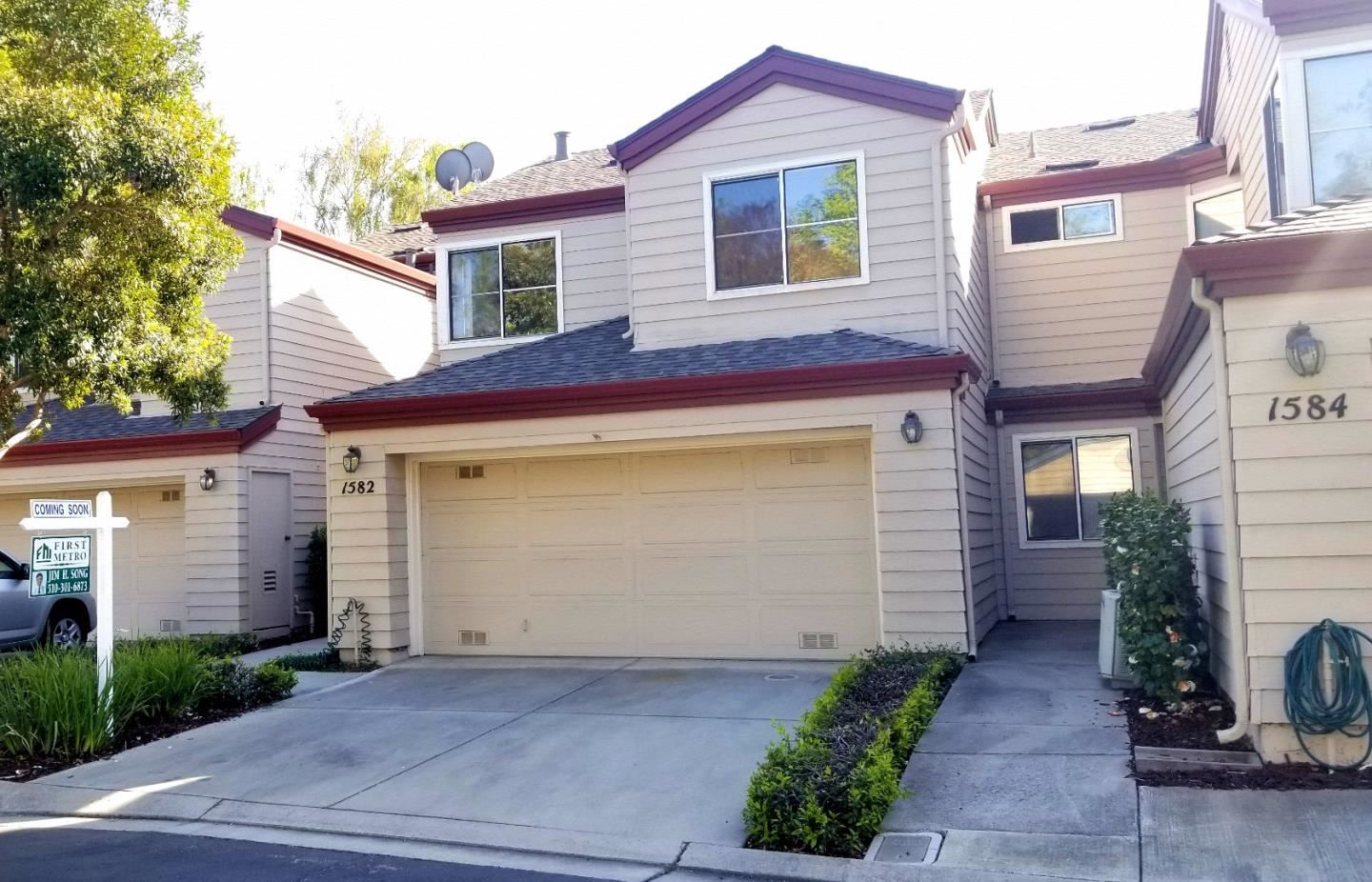 Photo for 1582 Fairway Green CIR, SAN JOSE, CA 95131 (MLS # ML81838135)