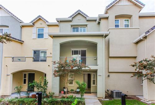 Photo of 2621 Heron CT, SAN JOSE, CA 95133 (MLS # ML81820136)