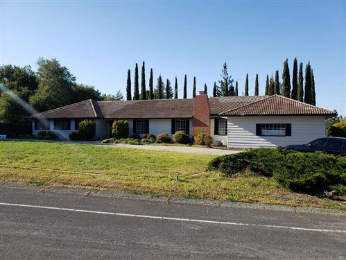 Photo of 18389 Twin Creeks RD, MONTE SERENO, CA 95030 (MLS # ML81837139)