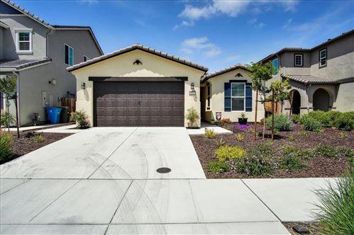 Photo of 542 Cadiz Drive, HOLLISTER, CA 95023 (MLS # ML81844141)