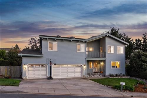 Photo of 665 Silver AVE, HALF MOON BAY, CA 94019 (MLS # ML81818147)