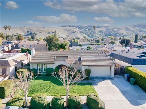 Photo of 326 El Portal WAY, SAN JOSE, CA 95119 (MLS # ML81832148)