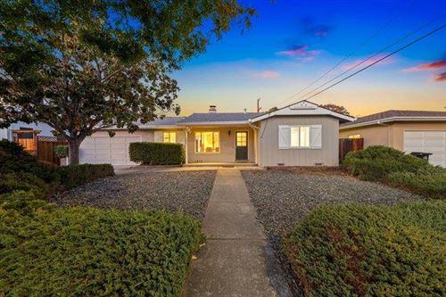 Photo of 1024 West Riverside Way, SAN JOSE, CA 95129 (MLS # ML81866151)
