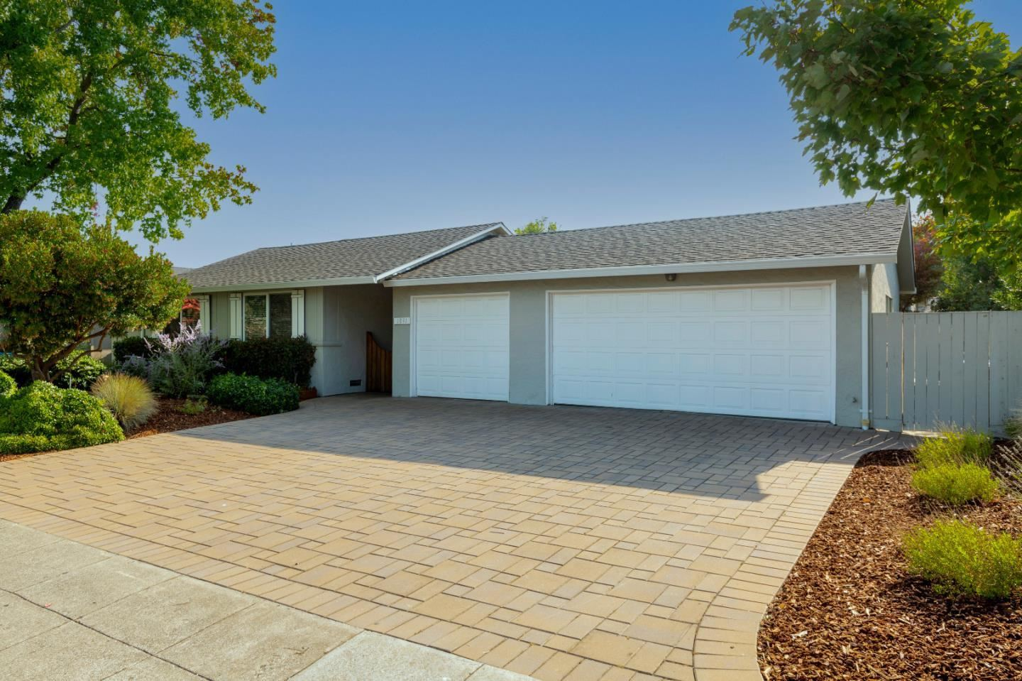 Photo for 1891 South Springer Road, MOUNTAIN VIEW, CA 94040 (MLS # ML81861153)