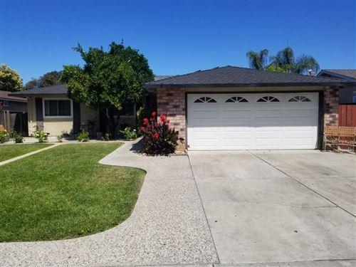Photo of 1275 Becket Drive, SAN JOSE, CA 95121 (MLS # ML81853157)