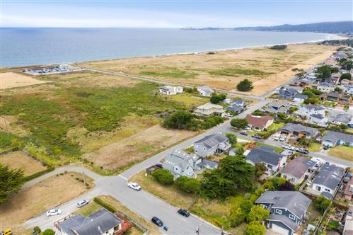 Photo of 0 Grove Street and Railroad AVE, HALF MOON BAY, CA 94019 (MLS # ML81803159)