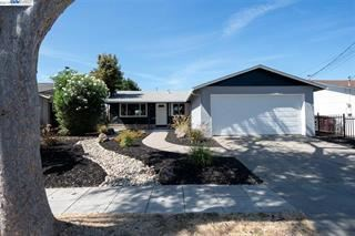 Photo of 27163 Patrick AVE, HAYWARD, CA 94544 (MLS # ML81813164)