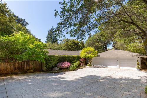 Photo of 10 Creekwood WAY, HILLSBOROUGH, CA 94010 (MLS # ML81837169)