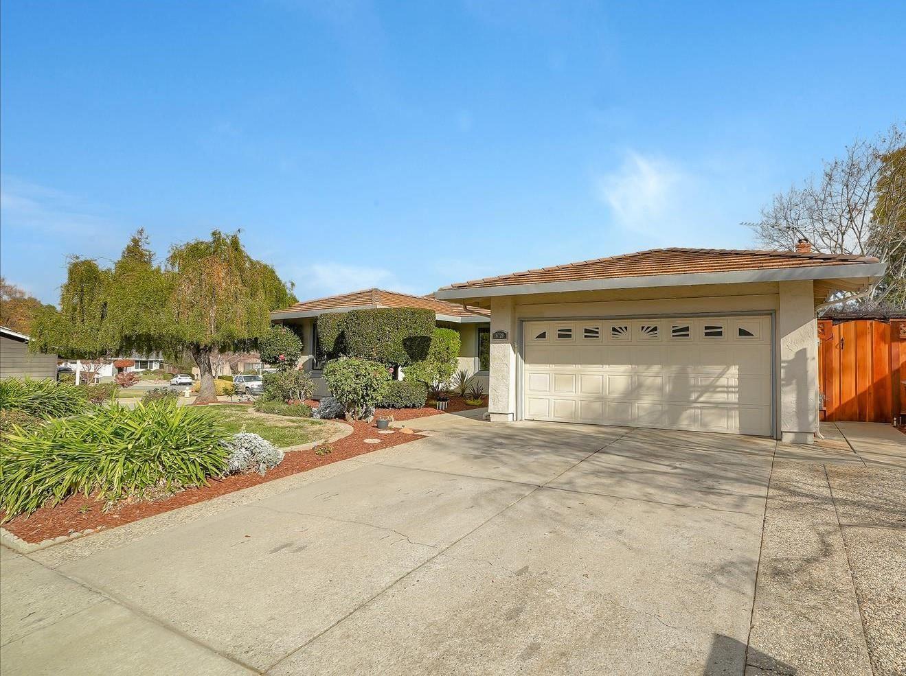 Photo for 16720 Wild Oak WAY, MORGAN HILL, CA 95037 (MLS # ML81823169)