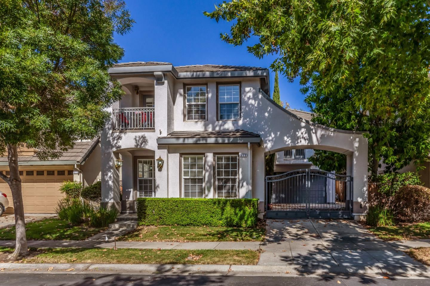 Photo for 515 CHERRY BLOSSOM Lane, CAMPBELL, CA 95008 (MLS # ML81866169)