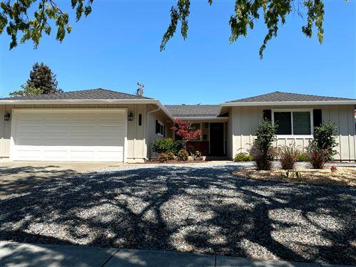 Photo of 1537 Arbutus Drive, SAN JOSE, CA 95118 (MLS # ML81853170)
