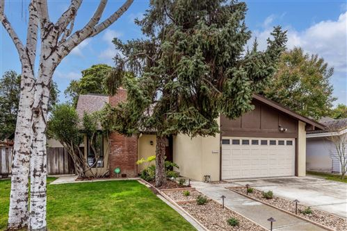 Photo of 264 Los Palmos WAY, SAN JOSE, CA 95119 (MLS # ML81830173)