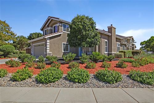 Photo of 820 San Vicente Court, MORGAN HILL, CA 95037 (MLS # ML81863173)