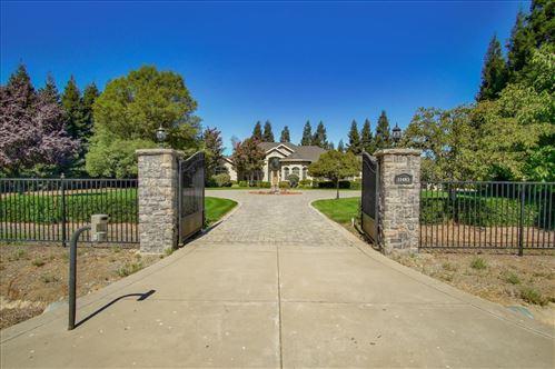 Photo of 11485 Carls CT, SAN MARTIN, CA 95046 (MLS # ML81811176)