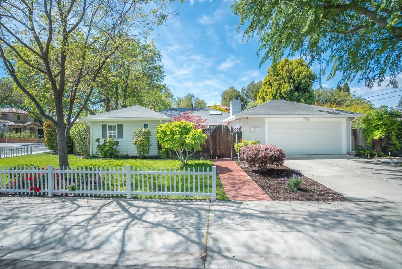 Photo for 801 Clara Drive, PALO ALTO, CA 94303 (MLS # ML81841178)