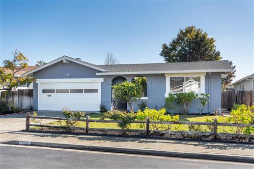 Photo of 321 Topsail CT, FOSTER CITY, CA 94404 (MLS # ML81787182)