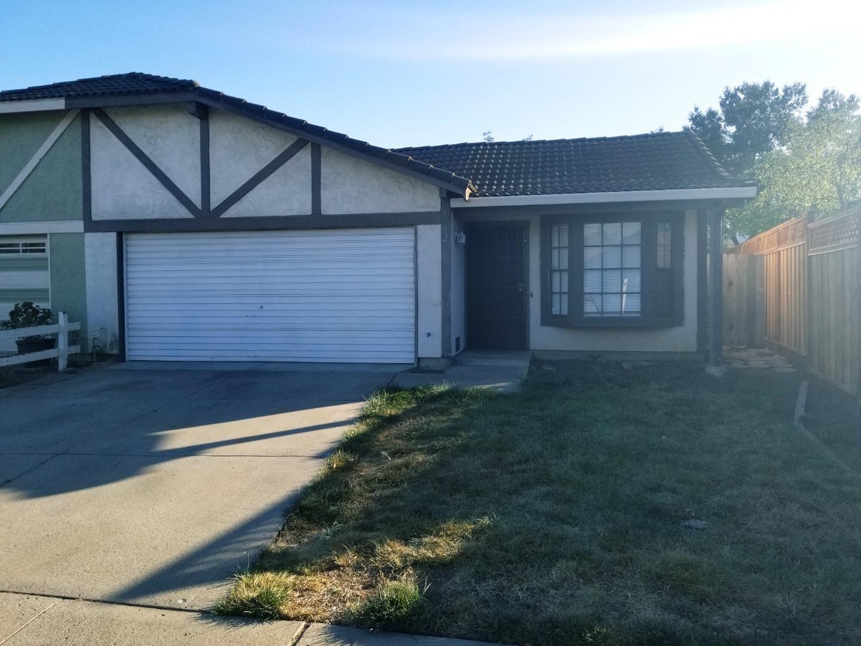 Photo for 512 Hadley CT, GILROY, CA 95020 (MLS # ML81816183)