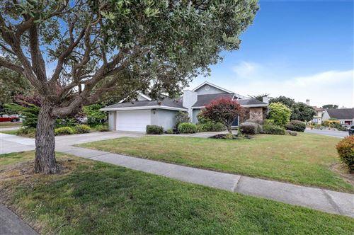 Photo of 416 Greenbrier Road, HALF MOON BAY, CA 94019 (MLS # ML81845185)