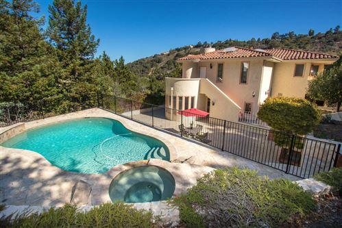 Photo of 1020 Lakeview DR, HILLSBOROUGH, CA 94010 (MLS # ML81817186)