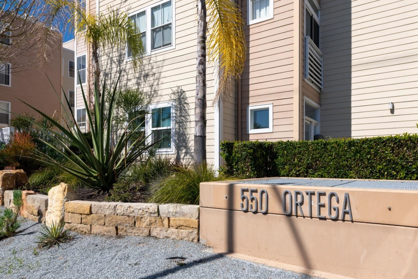 Photo for 550 Ortega AVE A213 #A213, MOUNTAIN VIEW, CA 94040 (MLS # ML81836195)