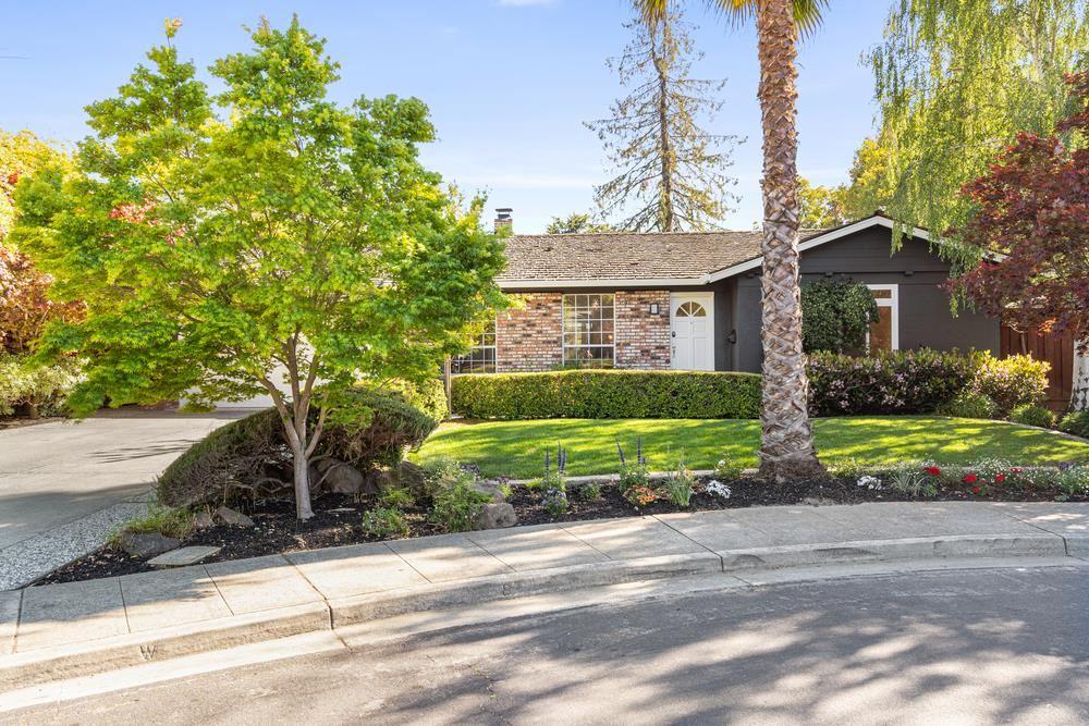 Photo for 157 Preston Drive, MOUNTAIN VIEW, CA 94040 (MLS # ML81842195)