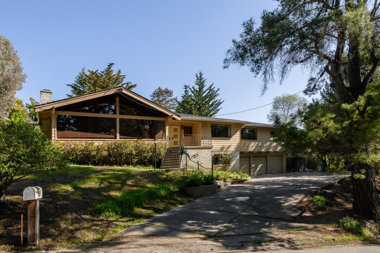 Photo for 60 West Avondale Road, HILLSBOROUGH, CA 94010 (MLS # ML81838207)