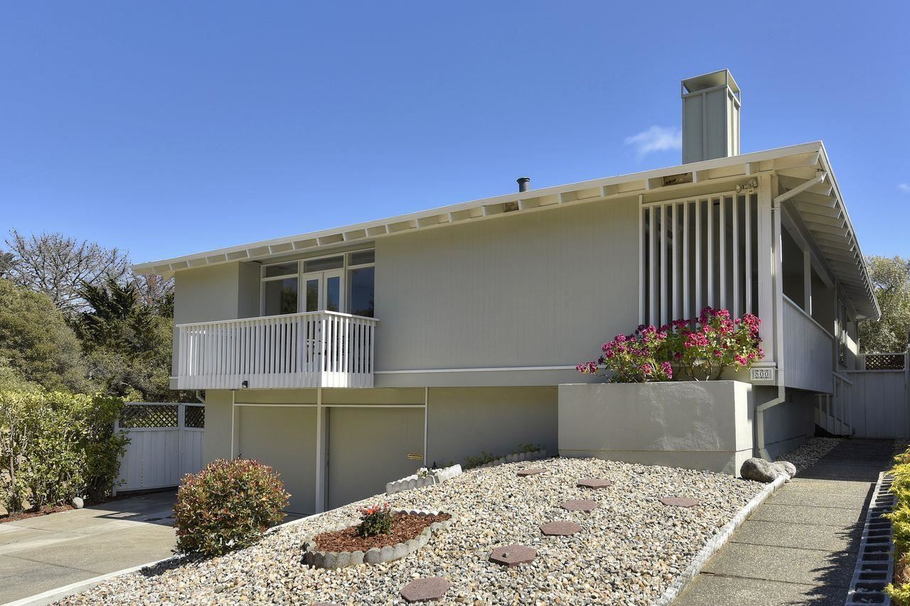 Photo for 800 Larkspur Drive, MILLBRAE, CA 94030 (MLS # ML81848218)