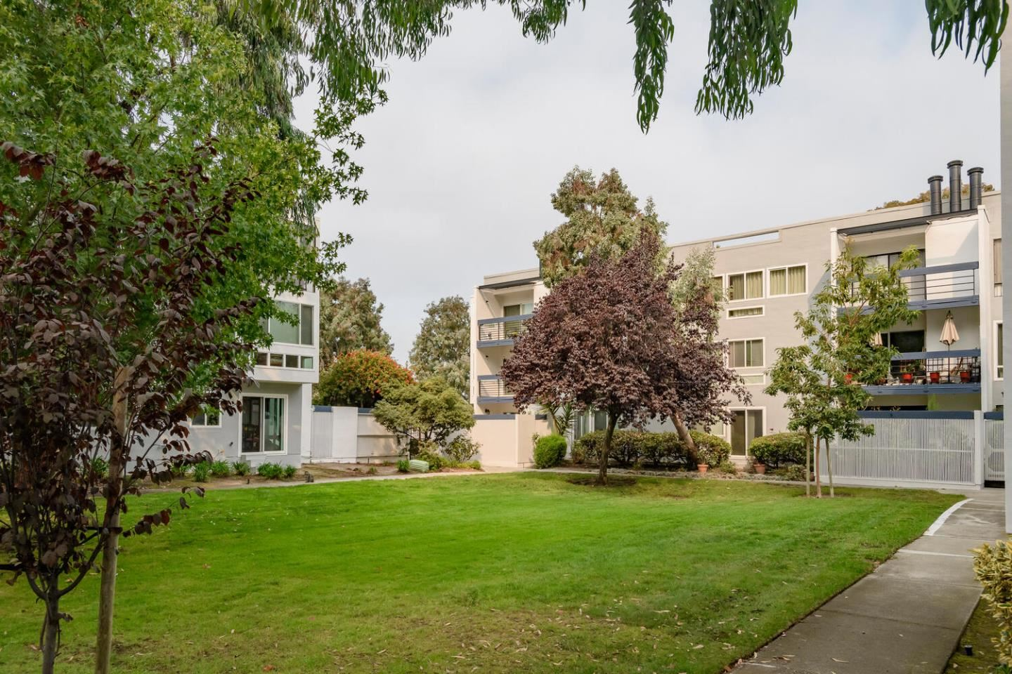 Photo for 1091 Shell BLVD 3 #3, FOSTER CITY, CA 94404 (MLS # ML81816221)