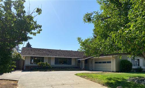 Photo of 13621 Old Tree Way, SARATOGA, CA 95070 (MLS # ML81855222)