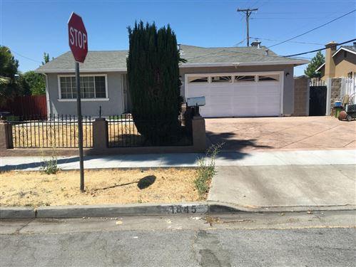 Photo of 1845 Woodridge, SAN JOSE, CA 95127 (MLS # ML81855223)