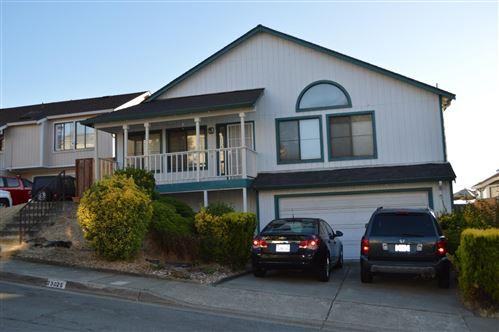 Photo of 23025 Lakeridge Avenue, HAYWARD, CA 94541 (MLS # ML81847227)