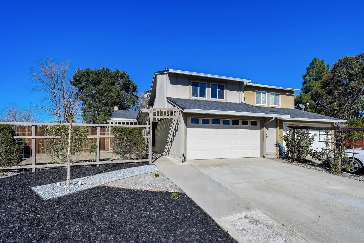 Photo for 217 Carlyle CT, GILROY, CA 95020 (MLS # ML81829229)